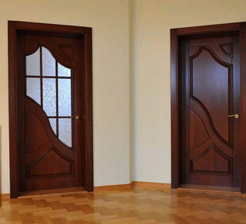 Двери межкомнатные цельные из