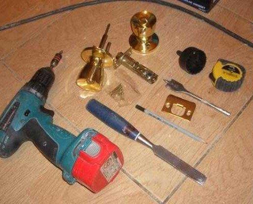 инструмент для врезки замков в